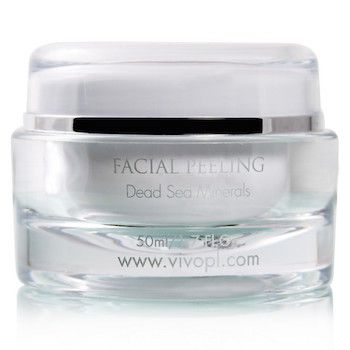 Vivo Per Lei Dead Sea Facial Peeling provides a powerful yet gentle facial cleanse by removing make up and built up dirt. Formulated with rich dead sea minerals to help reduce the appearance of wrinkles and fine lines, leaving your skin with a refreshed and silky smooth feel. Join 1000's of Happy Canada Beauty Care customers (since 2008) - Vivo Per Lei Authorized Dealer. Shop in Canadian Funds, No Duty Fees, Fast and Free Shipping.