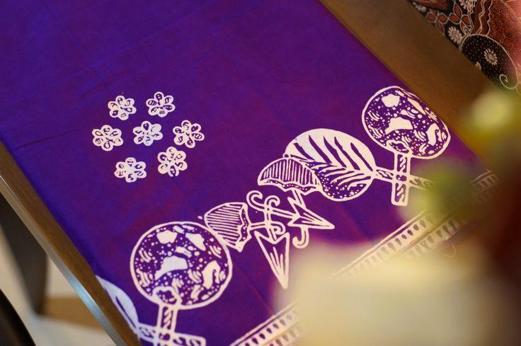 Batik Garutan warna ungu