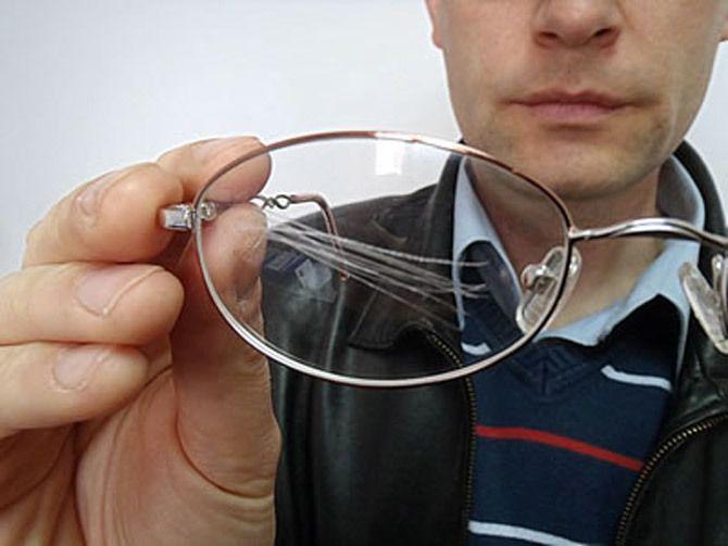 Как удалить царапины со стекла