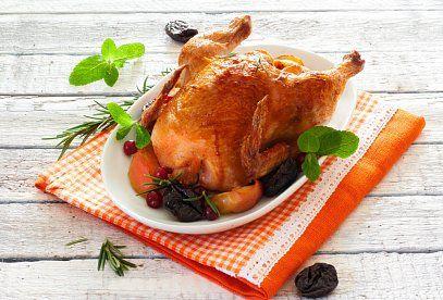 Kuře s nádivkou podle Zdeňka Pohlreicha - recept. Přečtěte si, jak jídlo správně připravit a jaké si nachystat suroviny. Vše najdete na webu Recepty.cz.