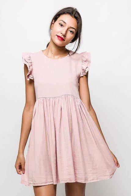 4ea6f3bf81bb Krátke svetloružové šaty s volánovým rukávom