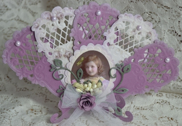 Astrids Kaarten - Handmade Easel and fan Card using Marianne Creatables Design Dies
