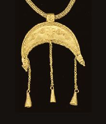 A GREEK GOLD CRESCENT PENDANT   									HELLENISTIC PERIOD, CIRCA LATE 4TH-3RD CENTURY B.C. CHRISTIE'S