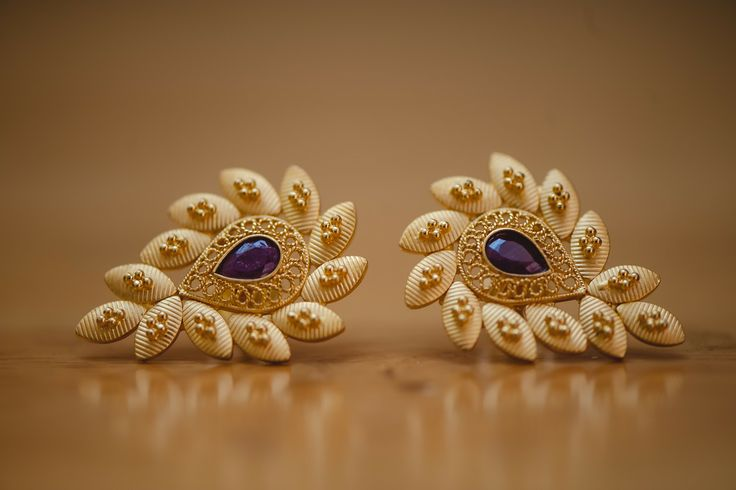 Jewellery is an integral part of Indian weddings. Shopping for wedding jewellery is as fun as kids shopping in a candy store. And there's nothing more satisfying than finding that perfect piece of jewellery - to match the perfect saree, to match the perfect smile of a bride!