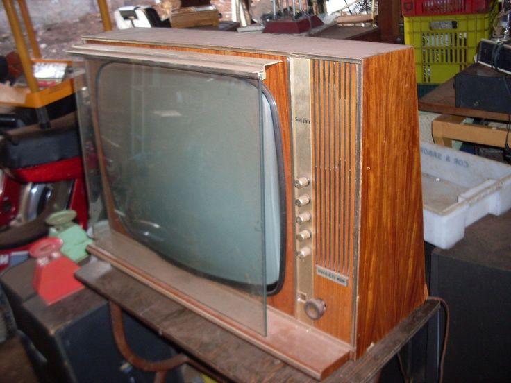 antiga televisão a valvula ???