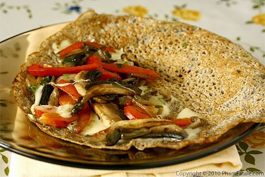 Galettes de sarrasin, also known as galettes de blé noir, are savory crêpes made from buckwheat flour. This recipe calls for button mushroom, roasted red bell pepper and cheese filling but they can also be eaten like regular pancakes (with maple syrup ☺)