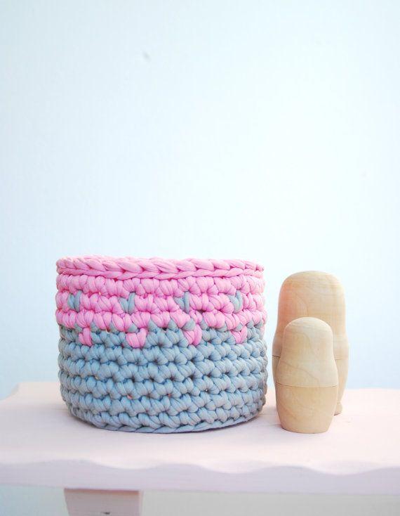 Crochet Basket Tshirt  Zpagetti Yarn