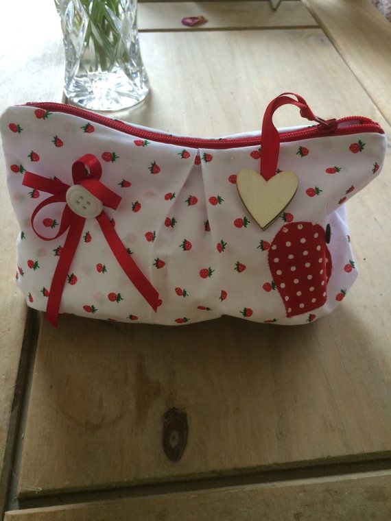Makeup bag white with strawberry pattern by DaisyDoodleCrafts15