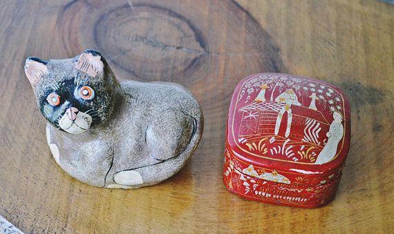 Kashmir India Papier Mâché Trinket Box And Cat Ornament