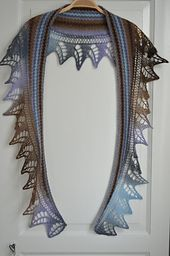 Pyttipanna Shawl pattern  by Maria Samuelsson