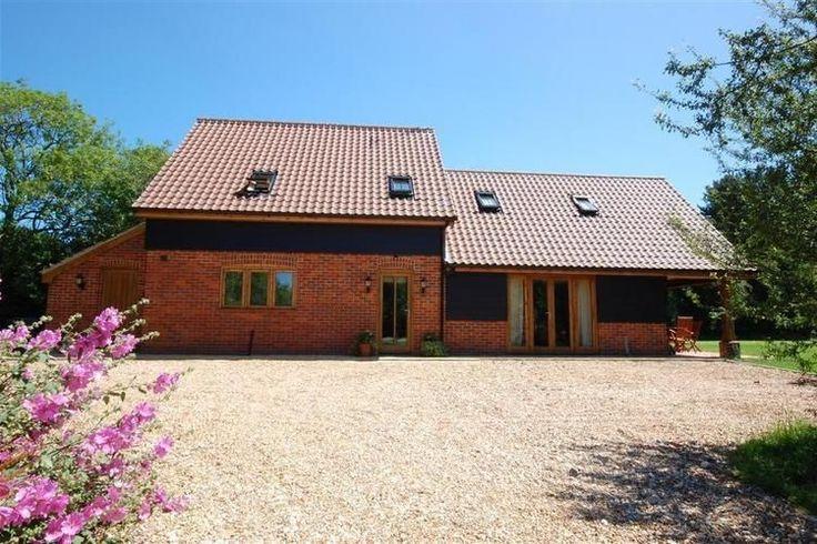Fraai authentiek vakantiehuis te huur in de regio Anglia. Deze vakantiewoning in Engeland is gelegen in Little Walsingham en biedt ruimte tot aan acht personen.