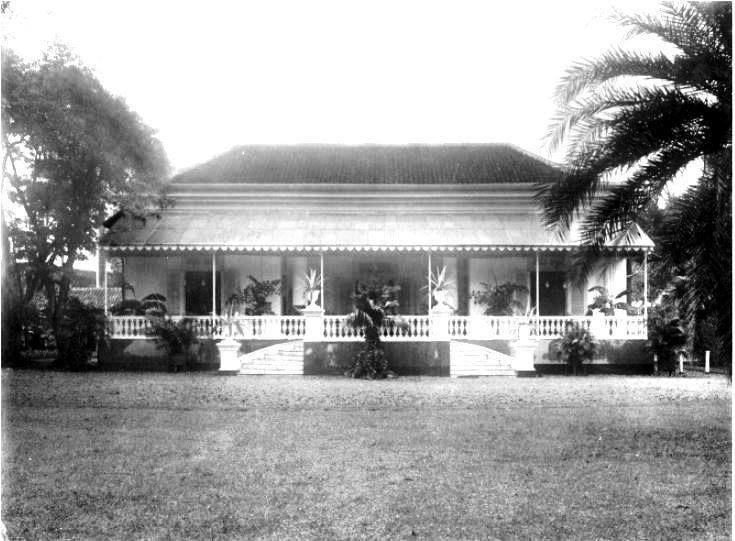 European house at Batavia 1920. (Jakarta was called Batavia during the Dutch era)