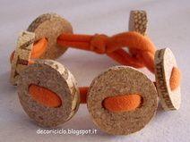 Braccialetto: maglina e 5 bottoni di sughero
