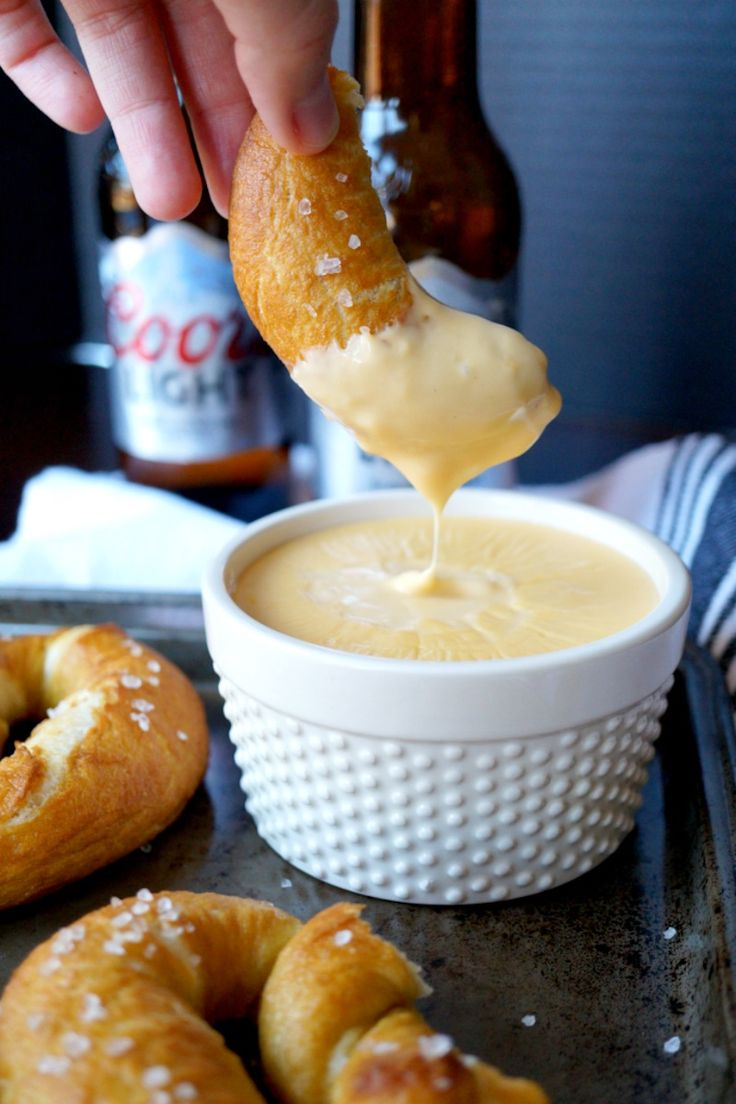 Baked Soft Pretzels and Beer Cheese – Honest Cooking