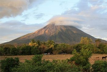 Volcano in Ometepe, Nicaragua. photos by Entiende.