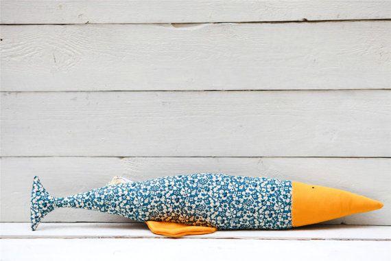 Fish Keyboard Wrist Rest Office Gift por SimSisters en Etsy