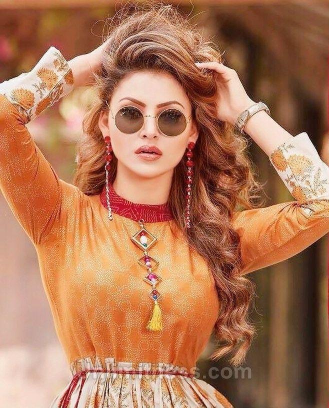 Urvashi Rautela Stylish Girl Pic Cool Hairstyles Ingrown Hair Bikini