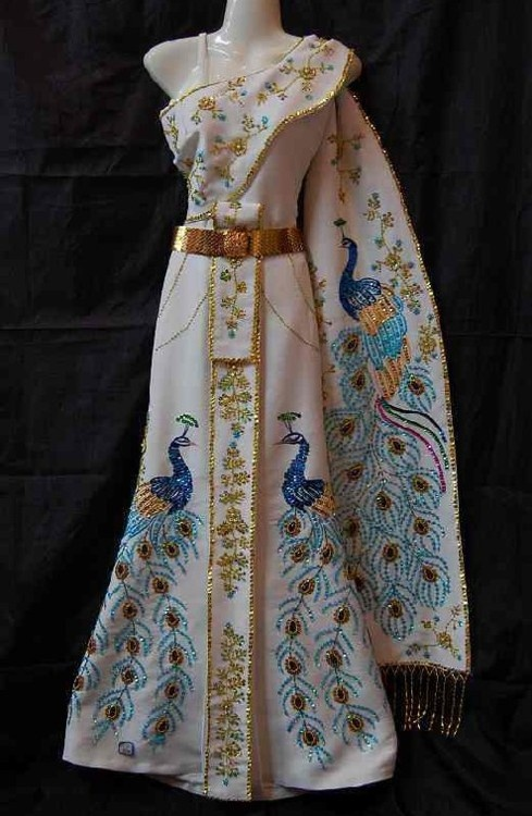 175 best laos and thai silk images on pinterest thai for Laos wedding dress for sale