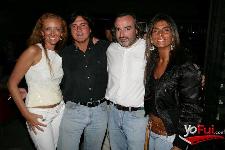 YoFui.com: Andrea Carvacho, Carlos Reyes, Ignacio Torres, Carolina Lara en Cumpleaños de Carlos Reyes en Aura Club, Aura Club, Santiago (Chile)