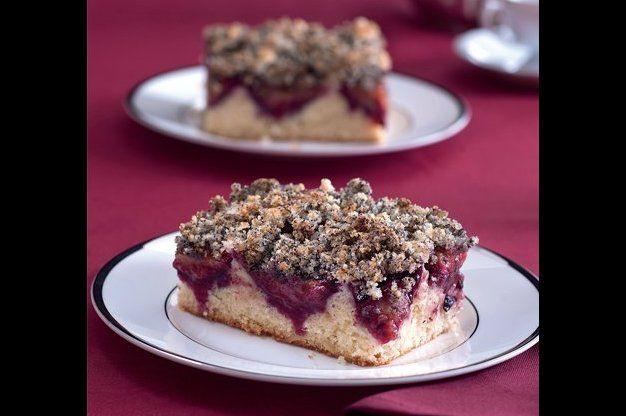 Švestkový koláč s makovou drobenkou | Apetitonline.cz