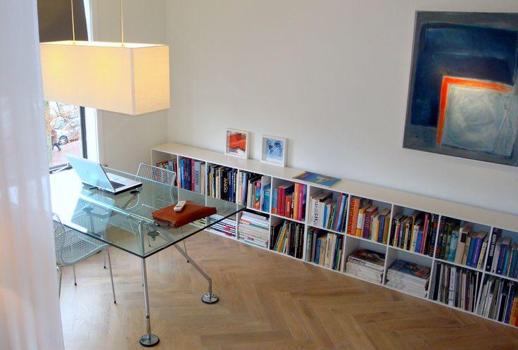 Frank Weil - jaren 30 appartement - eigentijds - Nomus tafel Tecno - lage vierkant boekenkast