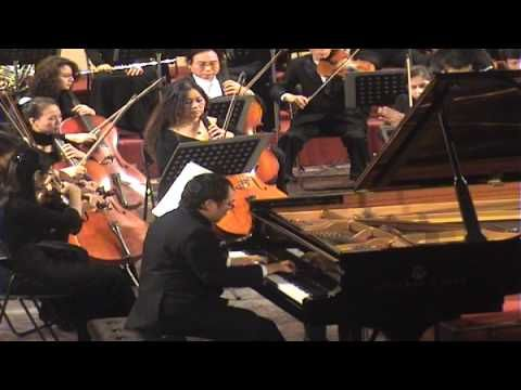 (1) Ludwig van Beethoven: Piano Concerto No.5, Op.73 - YouTube