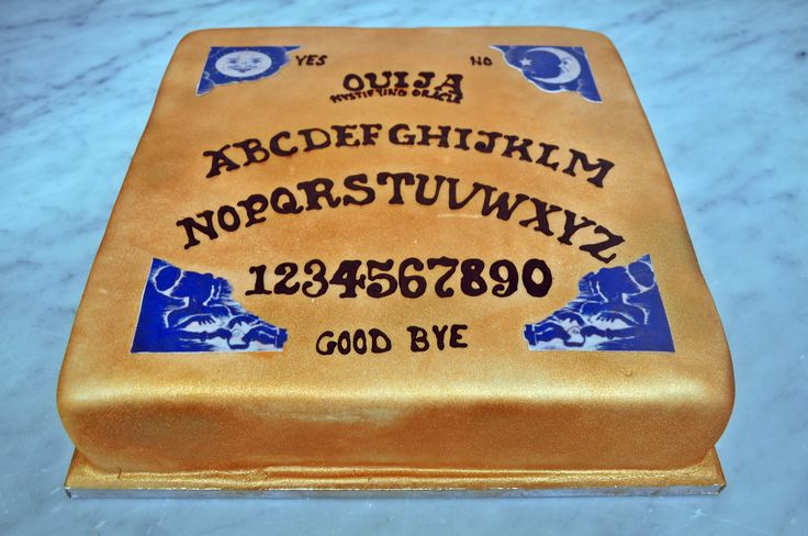 We made this Ouija Board cake for Universal Stuidos and it's perfectly timed for Halloween too! #sugarcraft #irishbaking #halloween #spooky #cakedecorating #corporatecake #dublinbakery — at Mannings Bakery.