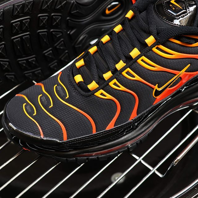 the latest adc26 f4e76 Air Max 97/Plus Shock Orange on the grill | Sneakers ...