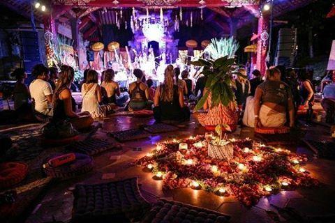 Festival Yoga Internasional dan Bali Spirit Festival akan kembali digelar untuk kesepuluh kalinya di Pulau Dewata Bali! Berlangsung selama tujuh hari yakni pada tanggal 19-26 Maret mendatang acara yang disuguhkan tidak hanya ratusan kelas yoga dan meditasi tetapi juga ragam tari serta musik dari berbagai negara. Di tahun ini penampilan dari Jai-Jagdeesh The Hanumen hingga DJ Shaman's Dream akan memberikan vibrasi sekaligus energi luar biasa bagi para pengunjung. : @balispiritfest (Features…