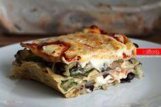 Le lasagne vegetariane sono un piatto delizioso e prelibato, tutto a base di verdure, che porta in tavola una sferzata di gusto e sapori.