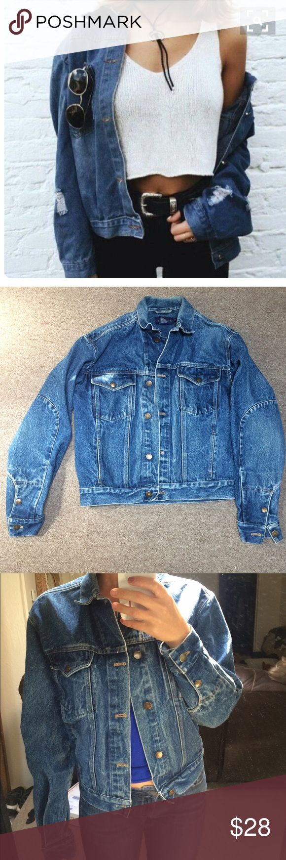 Oversized vintage denim jacket Oversized dark denim jacket. The oversized jean jacket is coming back with the grunge trend this fall/winter. Real nice vintage style jean jacket. Not the same as cover photo. Calvin Klein Jackets & Coats Jean Jackets