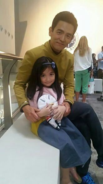 Hikaru Sulu and daughter. Star Trek Beyond.
