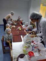 Ataşehir Okyanus Okul Öncesi Çiçekler Sınıfı Öğrencilerinin Mutfak Etkinliği 6