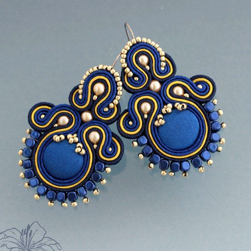 Soutache earrings | author: Zuzana Hampelova Valesova (Lillian Bann) | www.z-art-eshop.cz | http://www.facebook.com/pages/Z-ART/539656212733510