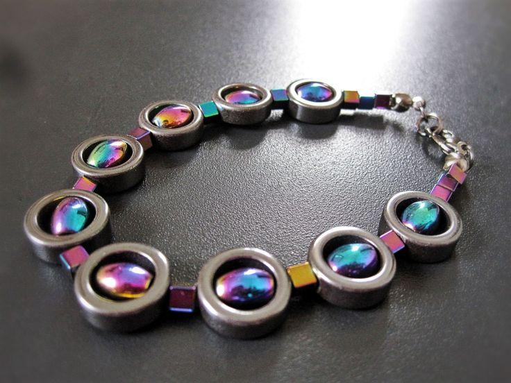 Bracelet d'hematite noir multicolore de la boutique TheAsaliahShop sur Etsy