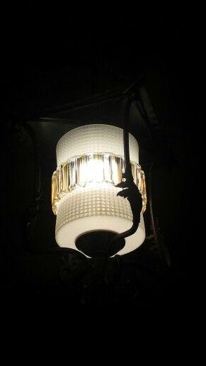 Zo t lampjedatmochtblijven hangt nu in een keurige hal