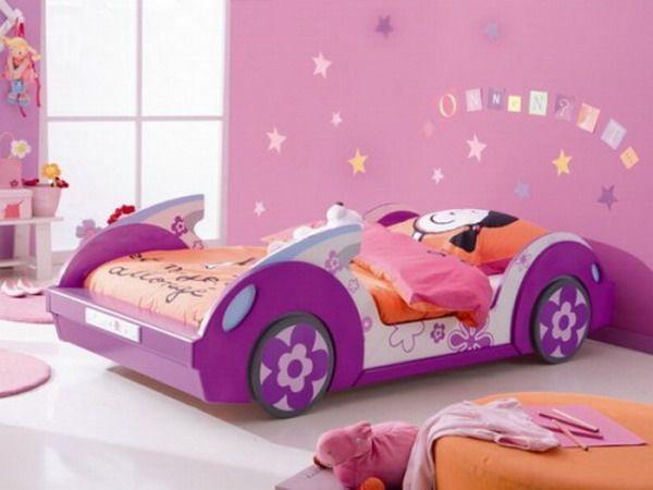 cama coche rosa y lila