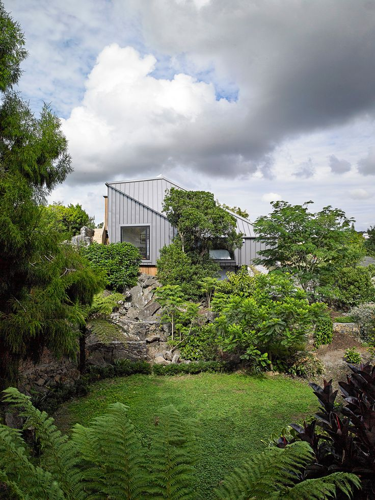 A Mt Eden home embraces its volcanic landscape by putting it on display