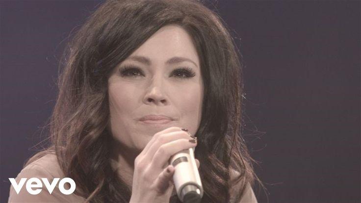 Kari Jobe - I Am Not Alone (Live)   https://www.joyfultimestoday.com/kari-jobe-i-am-not-alone/#more-14075