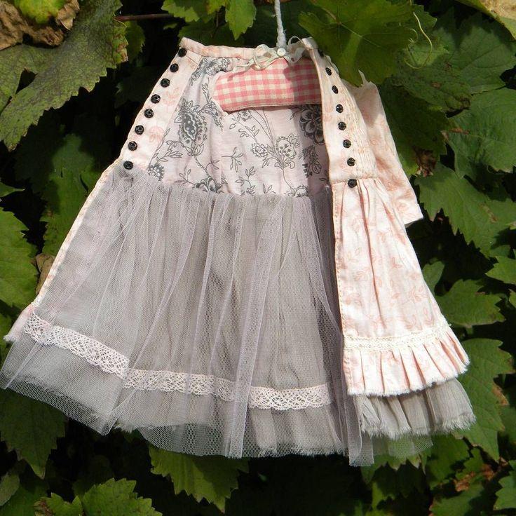 Вся одежда для моих кукол съемная, на подкладе. Игрушки для больших девочек)