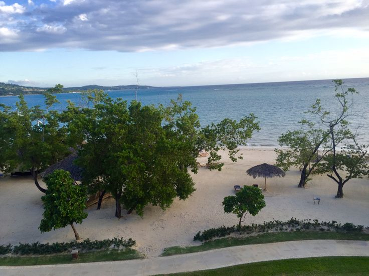 #Beachfront Penthouse Club Level- This was my room for the week :) Another room view #SandalsWhitehouse #Jamaica ✔️Complementary Travel Planning Contact Jennifer at: LifesATripTravelinc @ gmail .com (815)210-7596 www.facebook.com/lifesatriptravel13 #lifesatriptravel #travel #travelagency #travelagent #traveling #vacation #getaway #honeymoon #holiday #destinationwedding #SandalsResorts #BeachesResorts #Weddingmoon #CertifiedSandalsSpecialist #WeddingmoonSpecialist #Caribbean #Tropical…