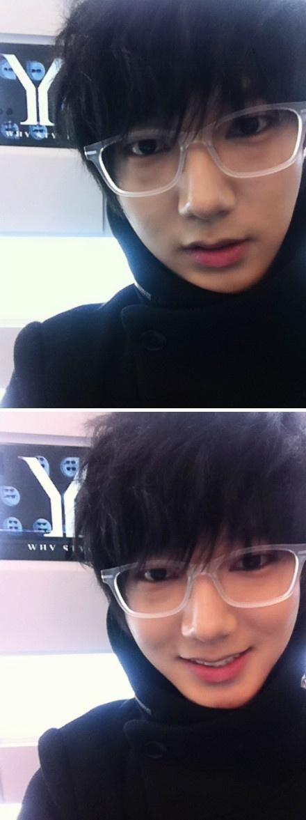 yeye in glasses