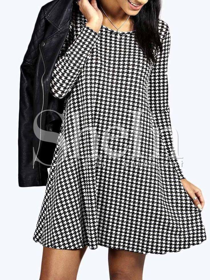 Чёрно-белое платье с ломаной клеткой  1020