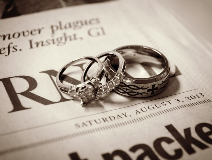 Wedding photos . Wedding photo ideas. Newspaper date with rings!!! :)