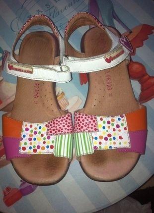 Kaufe meinen Artikel bei #Mamikreisel http://www.mamikreisel.de/kleidung-fur-madchen/sandalen/29476579-garvalin-gr-32-aghata-ruiz-de-la-prada-sandalen