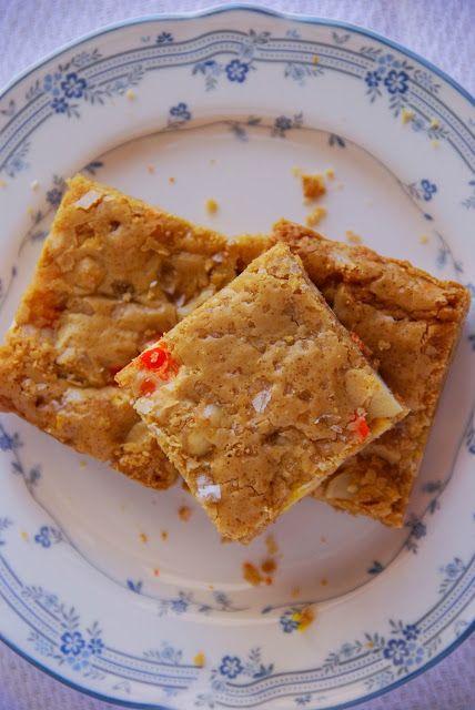 Candy Corn M&M, Roasted Macadamia Nut and Sea Salt Blondies www.pineappleandcoconut.com