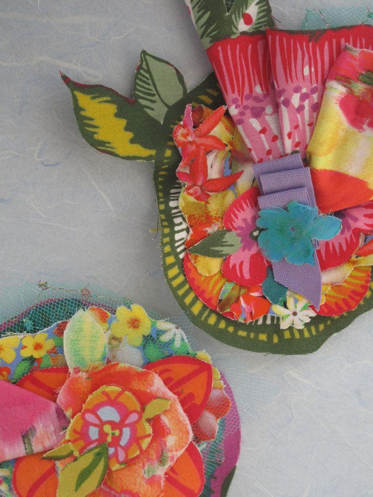 Handmade broochs in soft tissue, multicolor. beatrice.cianfrui@facebook.com