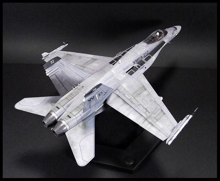 F/A-18C Hornet - 1/48 HobbyBoss