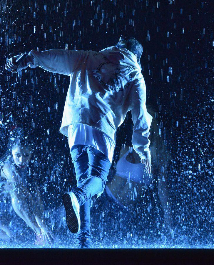 | Justin Bieber Transforme les AMAs en Concours de T-shirt Mouillé | POPSUGAR Celebrity France Photo 5