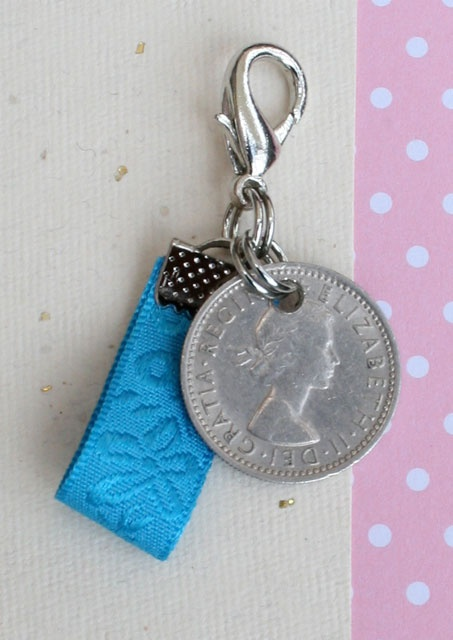 Sixpence and something blue – bloem